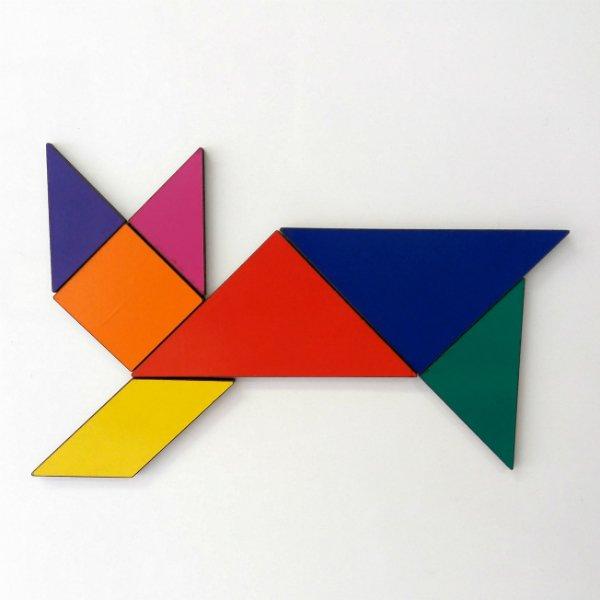 Um gato feito com tangram