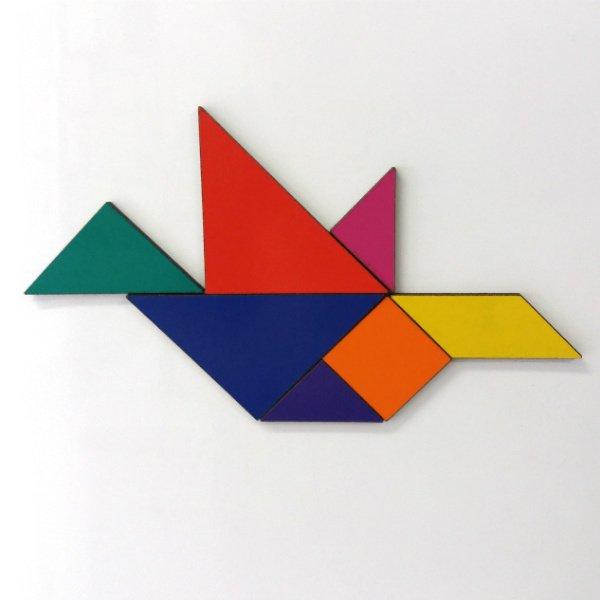 Um pássaro feito com tangram